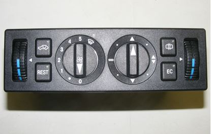 Picture of climate control panel, 1298300485
