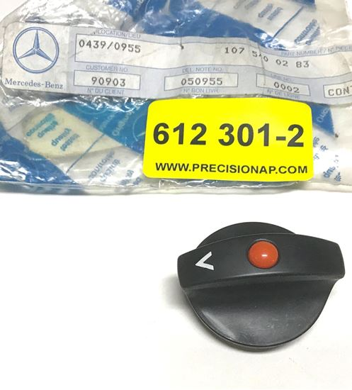 Picture of headlight switch 1075400283