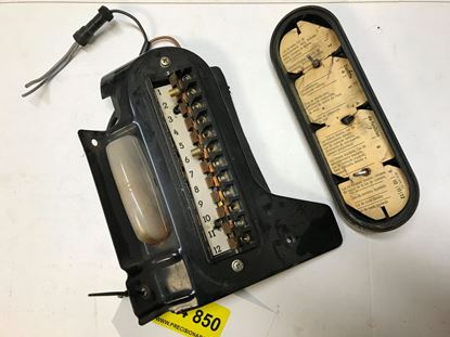 Picture of Mercedes fuse box 0005458701