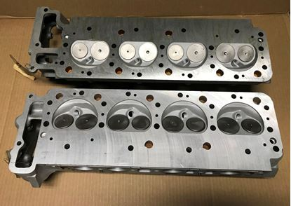 Picture of mercedes cylinder head set 1170107320-1170107520